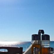 Mittagessen direkt am Meer