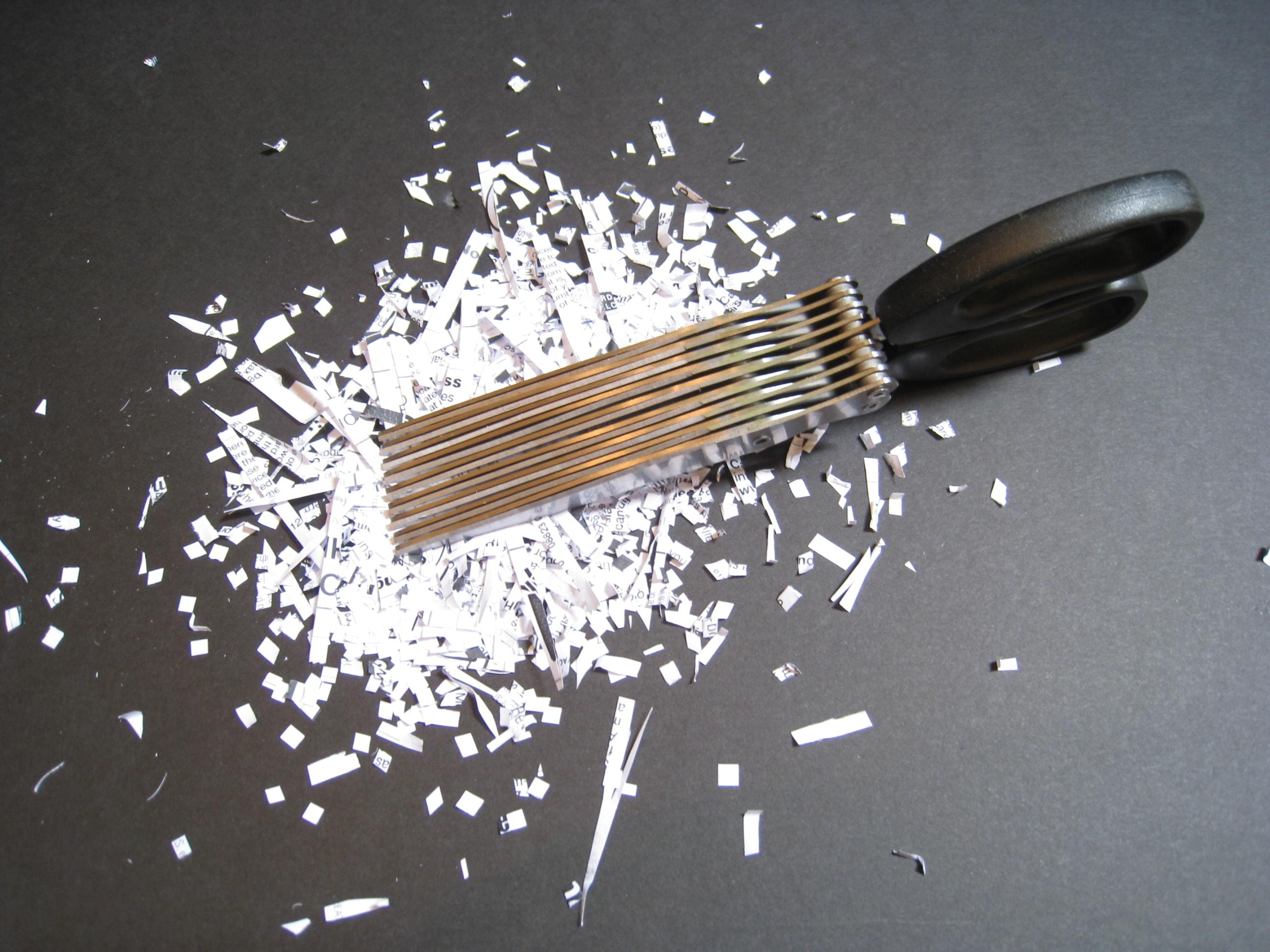 schredder schere