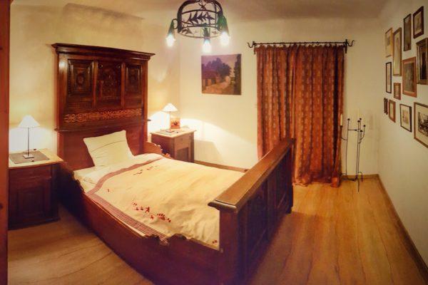 und ein 300 Jahre altes Bett..