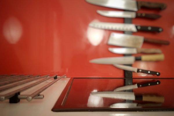 Kochecke und Esstisch..