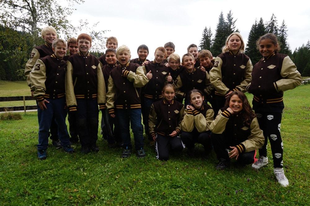 kids in footballjacken